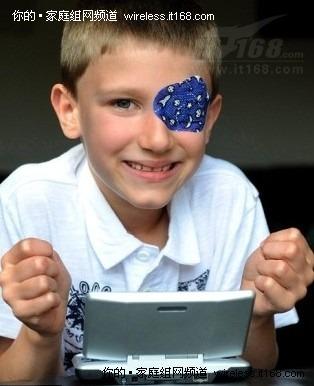 小男孩靠马力欧赛车恢复正常视力?