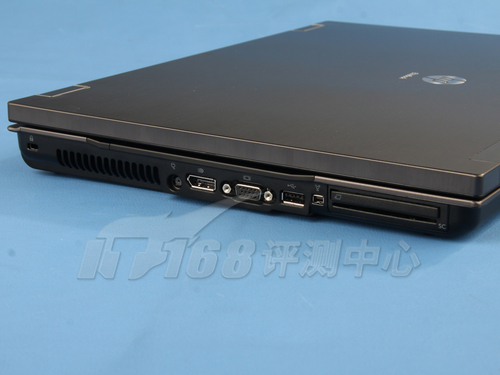 VGA接口和USB3.0接口,还有一个1394a和PCMCIA-IT168每日文章