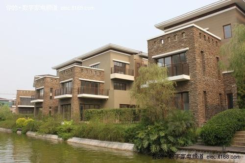 风景相伴别墅区物业怡人园别墅绿水留水图片