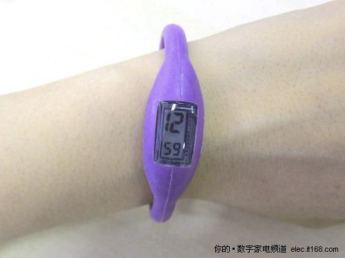 温和的贴近皮肤 运动必备手表15色忍选
