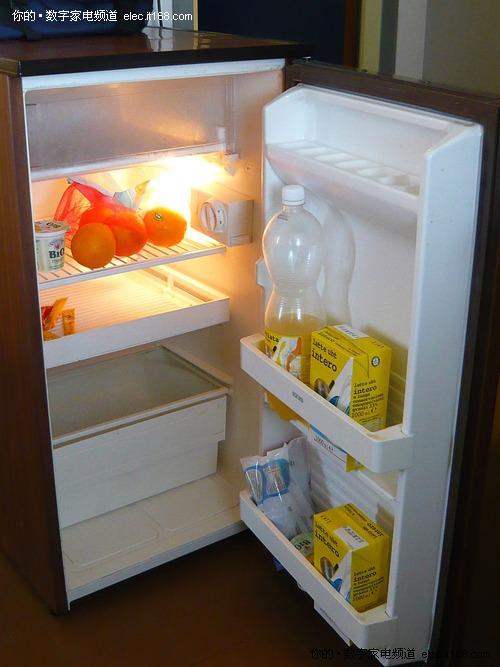 冰箱异味十余天散不尽 谁让保姆晕倒? 家电怪
