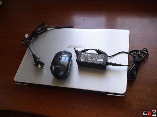软硬兼施 华硕UX30拆机图赏及加装蓝牙