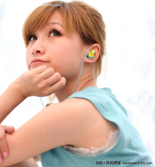 不潮不花钱 看看时尚达人都用哪些耳机