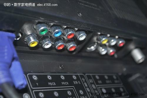 色差分量输入接口及av输出接口