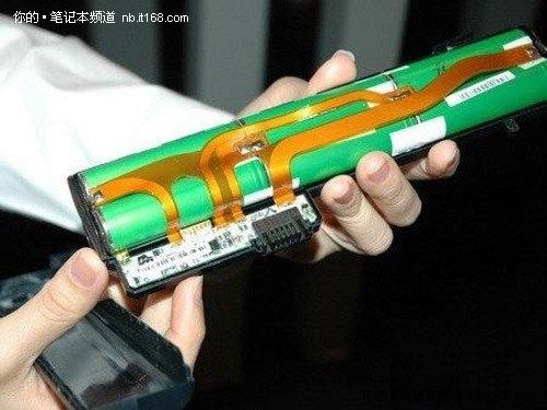 传统的笔记本电池由锂电池电芯,控制电路,充放电回路,外壳等部分