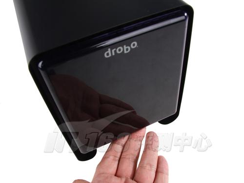 Drobo新款5盘NAS详细拆解