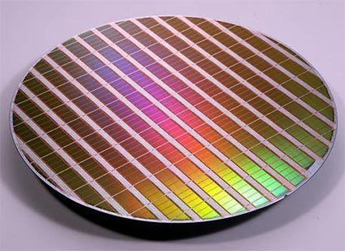 再次抢先于AMD NV已获28nm工艺核心样本