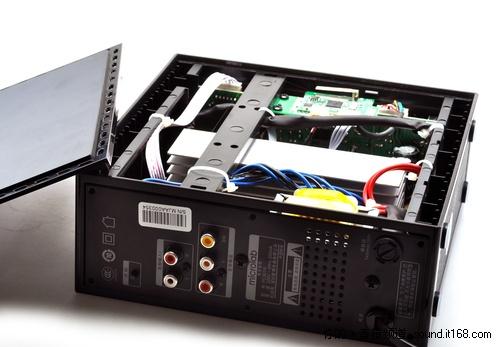 无线部分的电路板,麦博fc361w采用的是台湾synic(钰宝)的方案.