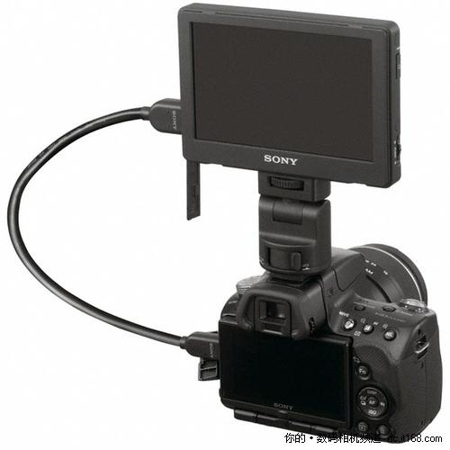单反/DV通吃 索尼发布5英寸高清外置LCD