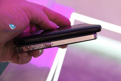 五款超薄时尚旗舰机盘点:苹果iPhone、LGOptimus Black、索爱LT15i哪款合你心意?