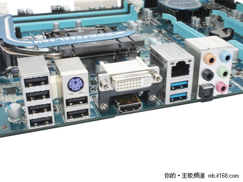 解锁超频与高速SSD支持  曝Z68主板实物