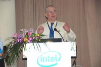 英特尔:高性能计算系统与应用强调平衡