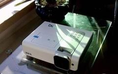 送高级激光笔 明基W1000+仅7600元热卖