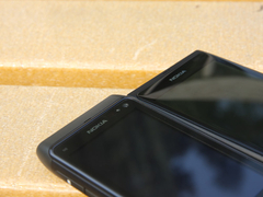 塞班/Meego两代机王 诺基亚N8/N9对比