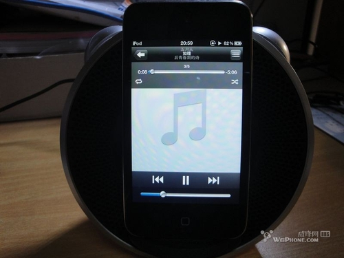 iPhone4上机用 体验漫步者M0苹果版音箱