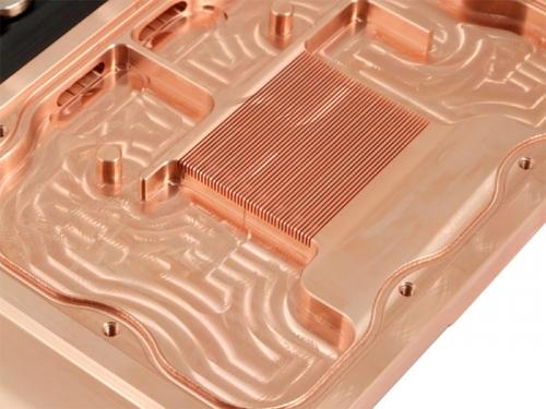全球首款HD7970显卡水冷散热器曝光