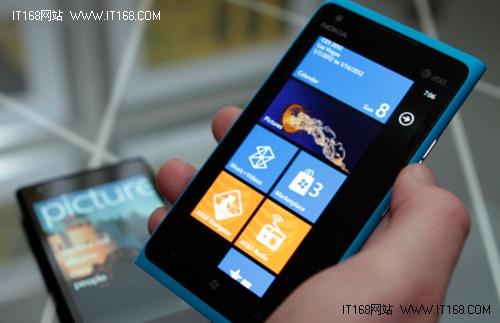 视频通话+4G网 诺基亚Lumia 900亮相CES