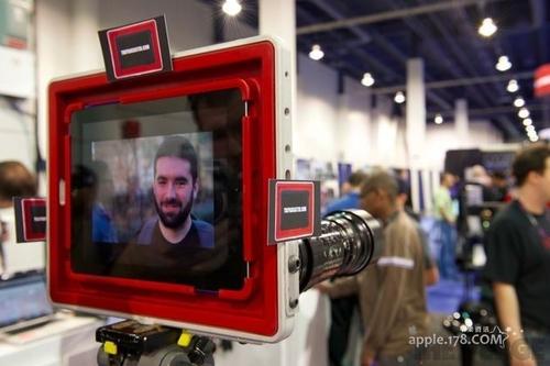 199美元iPad外壳 让单反镜头与iPad合体