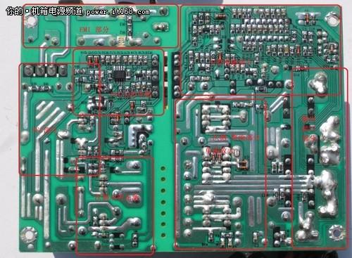 pcb VI-450M电源内部拆解2 下面我按照电源的最电流的处理流程逐一介绍下。 首先是市电输入接口和一级EMI滤波部分,焊点都被热缩管套住,保证安全,同时从一级EMI出来到pcb的连接线还加上了磁环,可以抑制电流的剧烈变化。