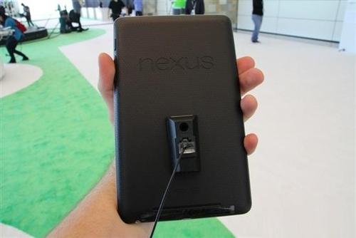 真机试玩图 谷歌199美元Nexus7平板登场