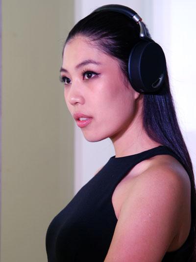 派诺特推出首款无线音频与电话耳机 Zik
