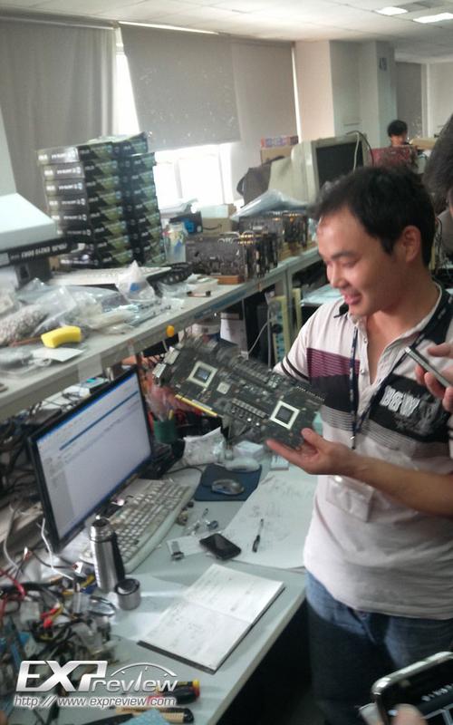 新一代的神卡 华硕Mars III显卡PCB曝光
