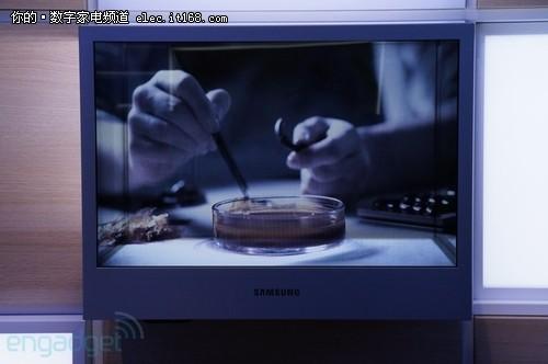 广告业新秀 三星展示22寸透明显示面板