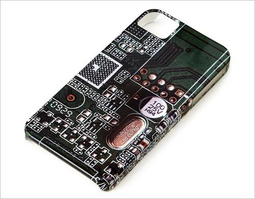高科技产物 把电路板做成iphone手机壳