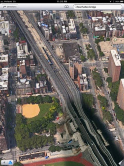 苹果地图下的多伦多; apple-map-2.jpeg; 扭曲的地图图像