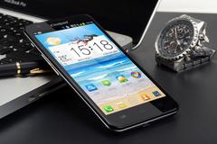 大屏智能时代 五款热门高性能手机推荐