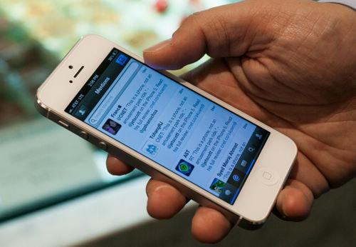 运营商白刃战?电信版iPhone5降至4580元