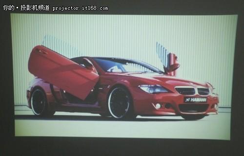 图片投影可以采用幻灯片的形式进行投影,用户可以根据实际需求