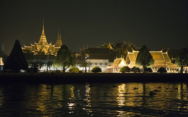 微软发布Win7和Win8新通用主题《泰国》