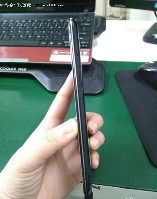 0.2mm机身?OPPO Find 7真机曝光