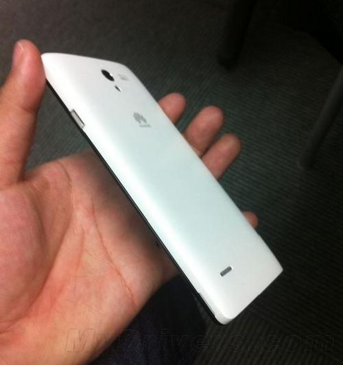 千元5寸2G RAM 华为中端新机曝光