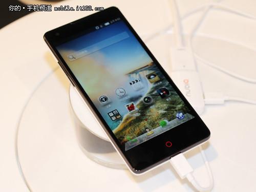 4.7寸+彩色背壳 努比亚Z5 mini手机发布