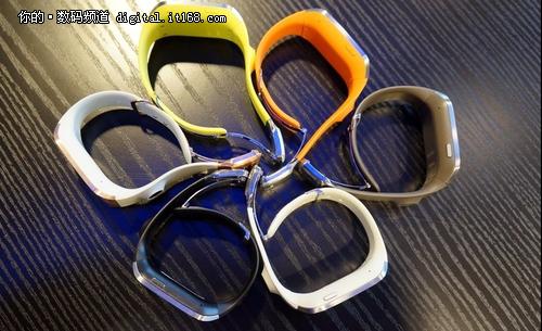 三星智能手表Galaxy Gear发布