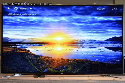 被它的细腻画质所震慑,理论上像素密度已经达到了桌面级显示器的标准.图片