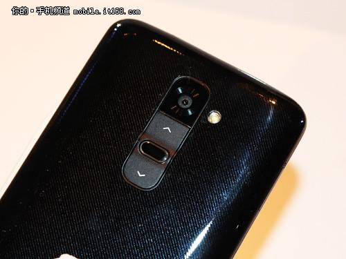 2.65mm窄边框高通800 LG G2发布