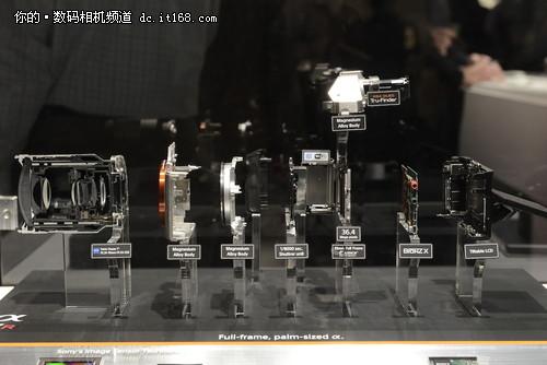 3630万像素 索尼全画幅微单α7R拆解