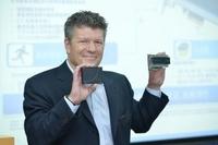 走向PCIe 跨出互联网 Intel秀SSD战略