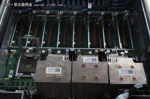 戴尔R920服务器内部介绍