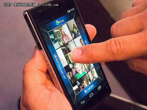 相机型超级智能手机 松下DMC-CM1发布