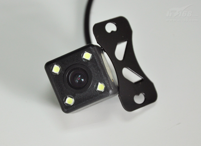 后视镜导航记录一体机 贝思特H800评测