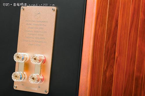 发烧音响的传奇 惠威M3 Plus音乐书架箱