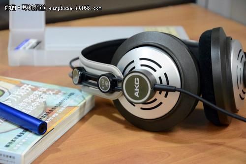 和音染说声再见 AKG监听耳机K142HD评测