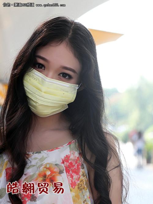 无惧PM25尾气 Antioo TTA口罩美女实拍 IT16