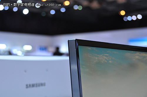2015三星论坛:首款34寸曲面液晶显示器