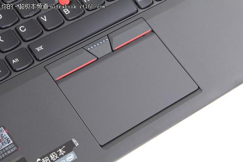 键盘触感舒适 触摸板由玻璃打造