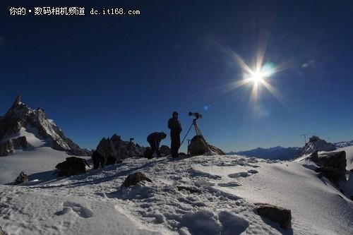 世界最大照片 3650亿像素白朗峰全景图